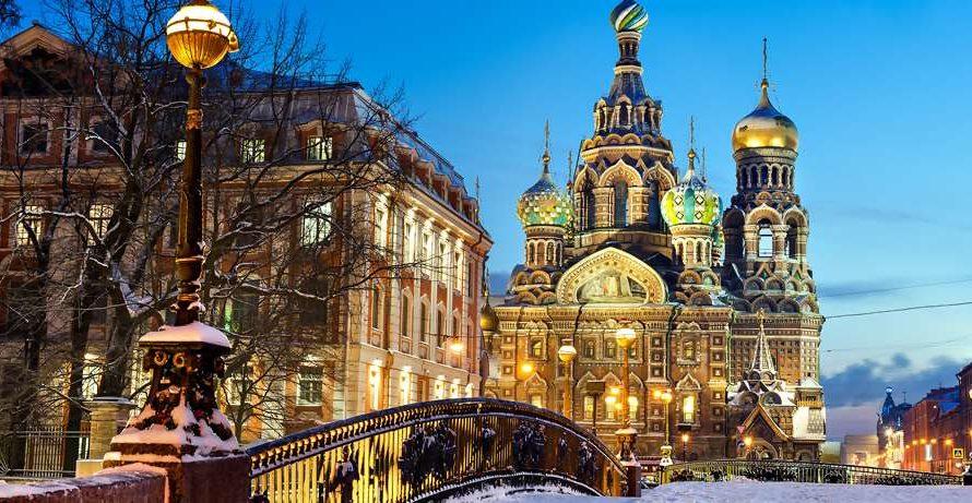 Куда сходить на новогодние праздники 2022 в Санкт-Петербурге